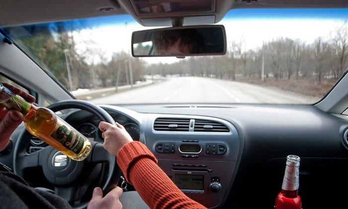 Пьяный без прав за рулм